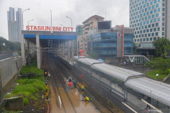 Ada potensi hujan-petir di Jakarta Barat dan Selatan, Sabtu ini