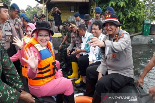 Kapolda Jateng tinjau lokasi banjir di Pekalongan