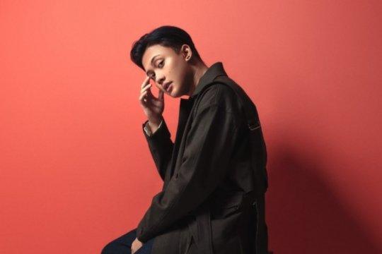 """Rizky Febian usung genre R&B untuk lagu """"Tak Lagi Sama"""""""