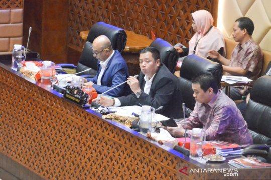 Komisi V tunda bahas banjir karena gubernur tidak hadir