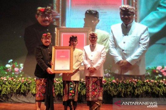"""Sastrawan Ida Bagus Sunu Pidada terima """"Bali Kerthi Nugraha Mahottama"""""""