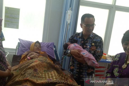 Pemprov DKI biayai perawatan wanita yang melahirkan di TIM