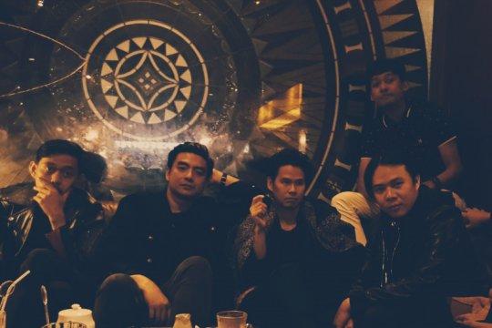 Sajama Cut rilis lagu baru bahasa Indonesia dalam format kaset