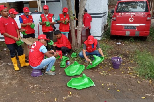 Relawan Sibat Lombok Utara dilatih membuat kloset