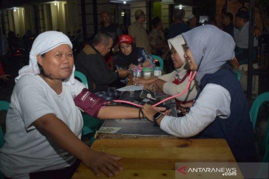 PMI Kota Tangerang periksa kesehatan korban banjir di pengungsian