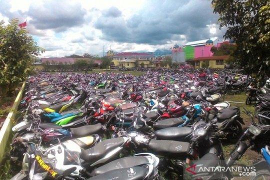 Polres Jayawijaya mengembalikan 51 motor curian