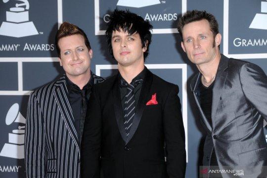 Green Day batalkan tur Asia karena virus corona