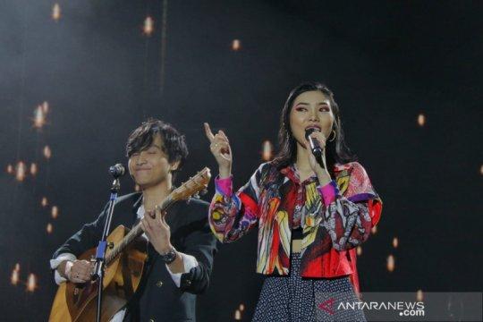 Isyana Sarasvati duet dengan suami nyanyikan lagu spesial tanpa judul