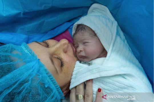 Mengenal metode persalinan ERACS yang diklaim lebih nyaman untuk ibu