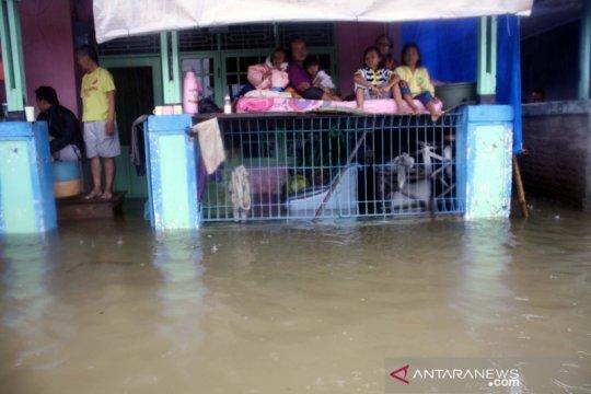 Meski banjir berkurang, BPBD Karawang tetap siagakan petugas