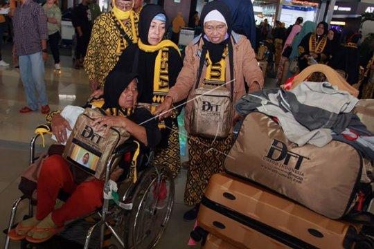 Biro perjalanan umrah jadwal ulang keberangkatan jamaah