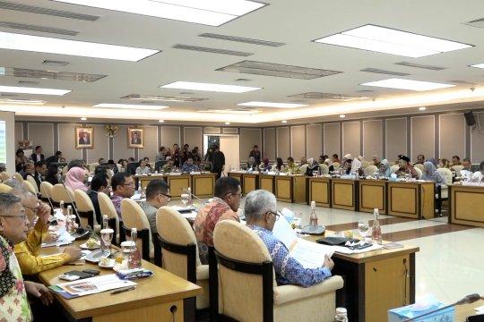 """Gelar rapat tertutup, Pemerintah-DPR masih soroti """"cleansing"""" data"""