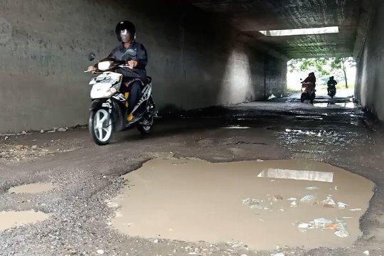 Jalan rusak akibat banjir, Pemkot Cilegon janji akan segera perbaiki