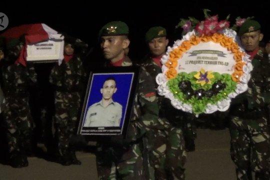 Pangdam Hasanuddin jemput kedatangan jenazah Praka Anumerta Risno