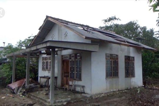 Puting beliung rusak belasan rumah di Bangka