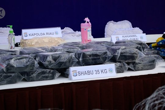 Petugas gagalkan penyelundupan 35kg sabu melalui perairan Kota Dumai