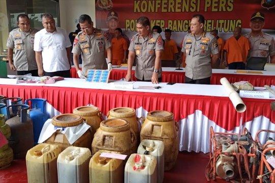 Polda Babel tangkap dua penimbun ribuan liter BBM bersubsidi