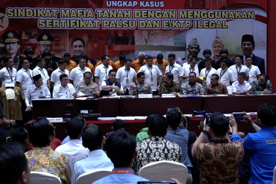 Polda Metro Jaya ungkap mafia tanah gunakan sertifikat dan KTP palsu