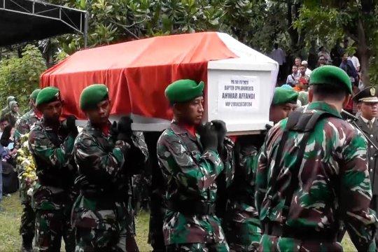 4 prajurit TNI korban Heli dimakamkan di TMP Giri Tunggal