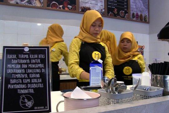 Cafe di Bandung dengan barista tuna netra