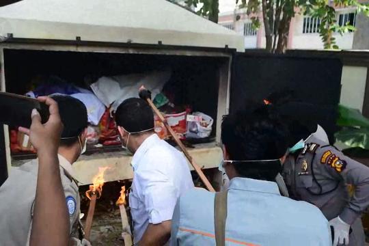 Balai Karantina Pekanbaru musnahkan 331 kg komoditas asal China