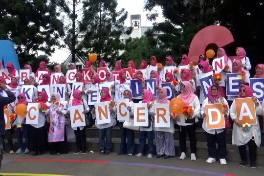 Ratusan perempuan Kota Bandung ajak masyarakat lakukan 3P