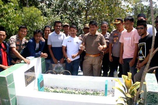 Tabur bunga tandai Hari Pers Nasional di Ternate