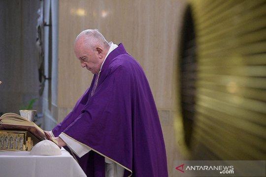 Paus Fransiskus imbau umat patuhi aturan cegah gelombang kedua corona