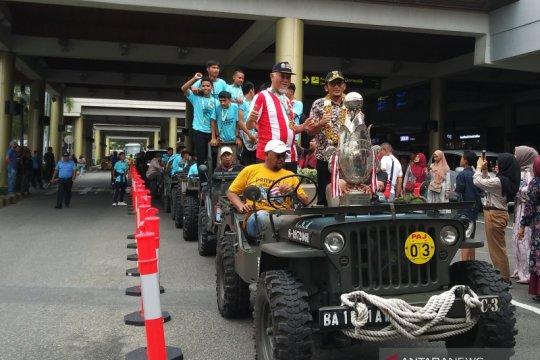Juara Piala Soeratin, tim PSP Padang U-15 diarak keliling kota