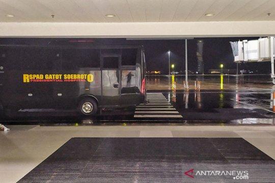Bus angkutan WNI ABK Diamond Princess disiapkan di Bandara Kertajati