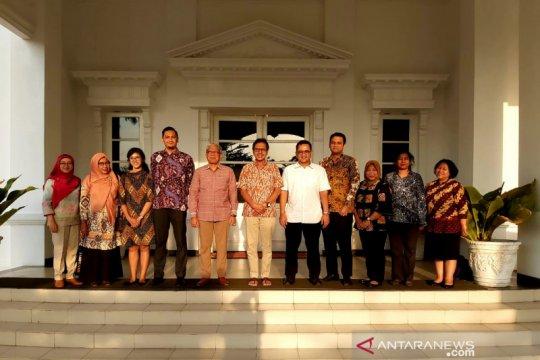 Perwakilan 77 negara belajar seni budaya Minang di Padang