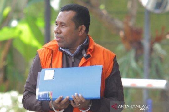 KPK perpanjang penahanan 3 tersangka proyek infrastruktur Sidoarjo