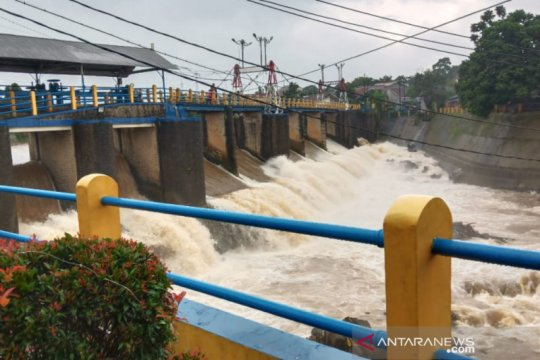 Ketinggian air di Bendung Katulampa Bogor turun  jadi normal