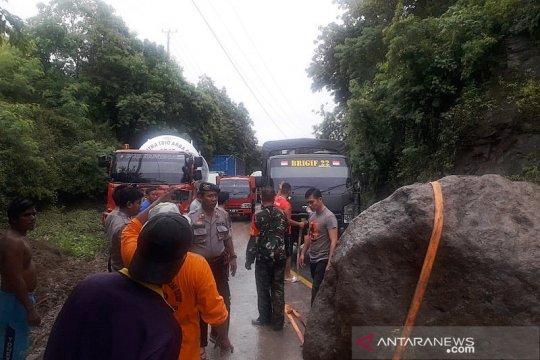Akses transportasi bagian barat Gorontalo Utara putus tertutup longsor