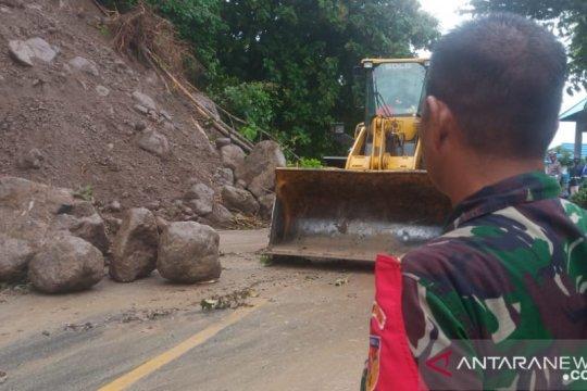 Aparat TNI-Polri bantu tangani dampak longsor di Gorontalo Utara