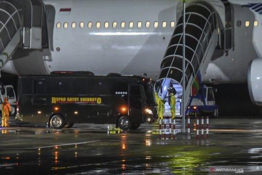 WNI kru kapal pesiar Diamond Princess tiba di Bandara Kertajati