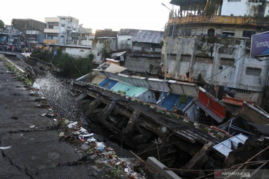 Pemprov Jatim kirim tim penanganan amblesnya jalan nasional di Jember