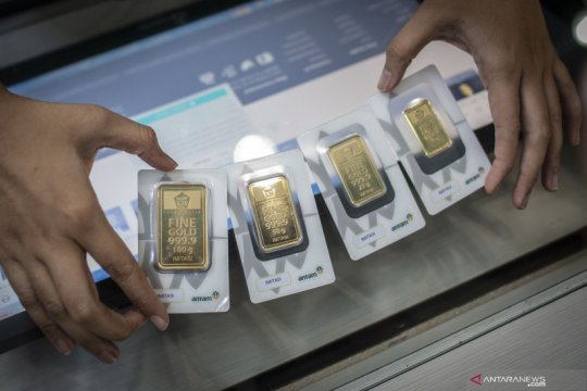 Harga emas Antam hari ini naik Rp5.000 per gram