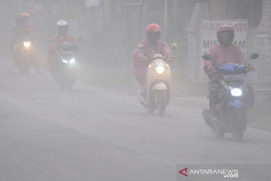Gunung Merapi erupsi, hujan abu di Boyolali