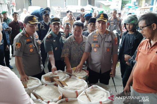 Anies pastikan persediaan pangan Jakarta aman