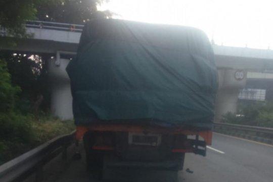 Lokasi contraflow Cawang digeser karena terhalang truk bermasalah