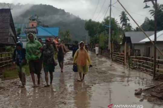 Banjir bandang terjang Desa Lengkeka Kabupaten Poso