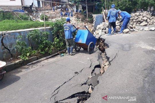 Bina Marga DKI tunggu SDA tangani jalan amblas sepanjang Ciliwung