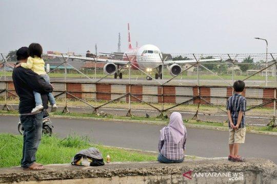 Bandara Husein hentikan sementara penerbangan internasional