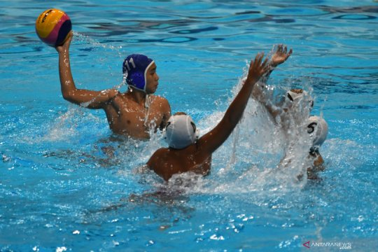 Liga polo air antar klub pertama