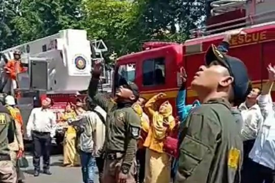 Kebakaran landa Gudang genset Mal Pelayanan Publik Siola Surabaya