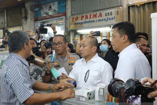 Polisi temukan masker ilegal saat sidak di Pasar Pramuka
