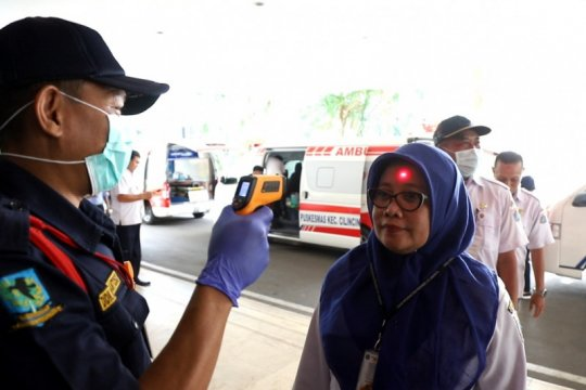 Kantor Walikota Jakut berlakukan pemeriksaan suhu tubuh