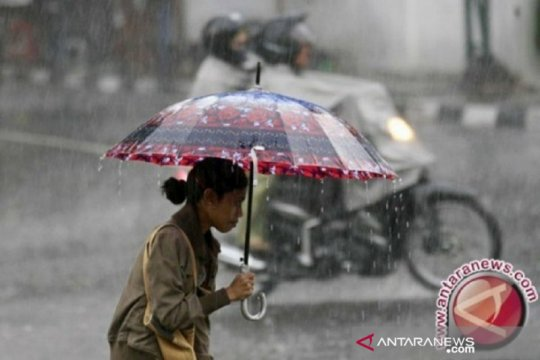 BMKG prediksi hujan disertai petir melanda sejumlah wilayah di Sumut