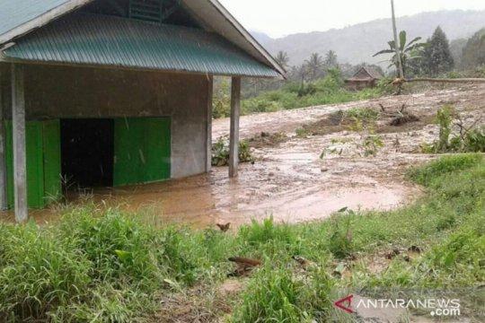 20 kepala keluarga di Kabupaten Sigi mengungsi karena banjir